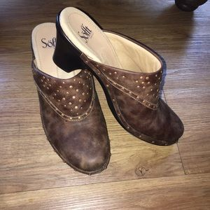 Sofft brown leather studded clogs